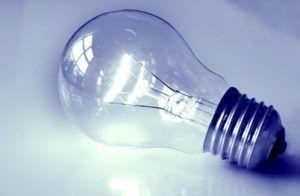 bombilla incandescente 300x196 Iluminación 2. Tipos de lámparas
