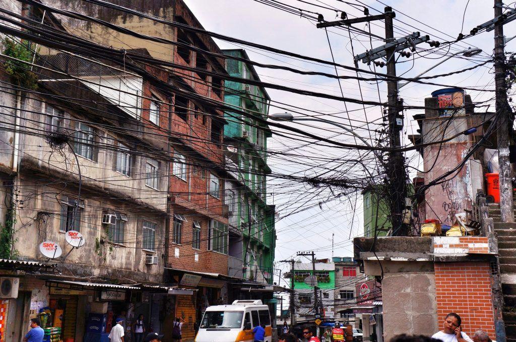 Favela (Fot. yyinbrazil)