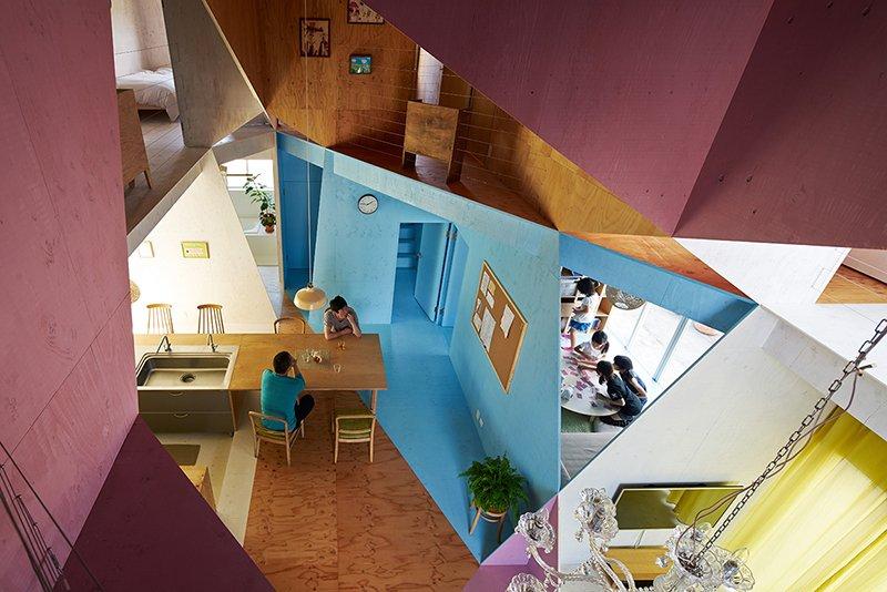 Apartamento recortado Kochi Architects interior