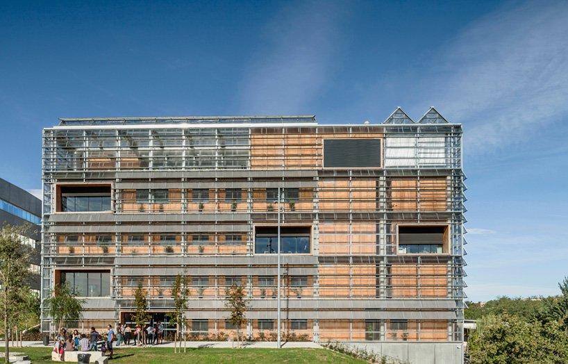 Centro ciencias medioambientales y paleontología exterior