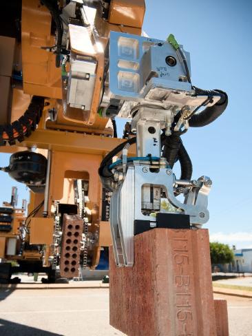 Hadrian robot constructor ladrillo