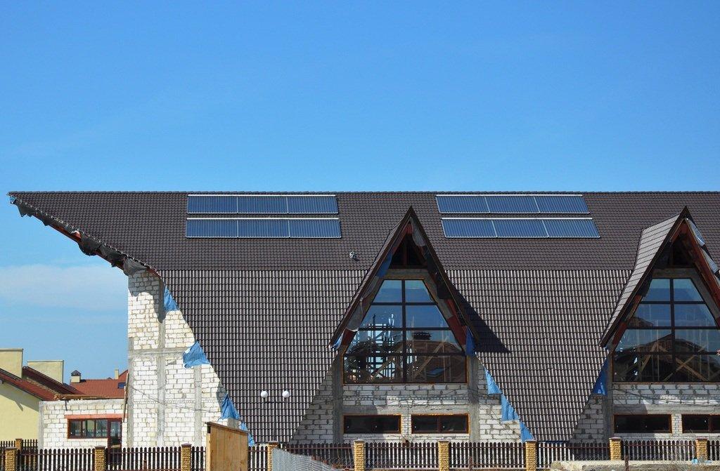 Instalacion de captacion solar en edificio sostenible