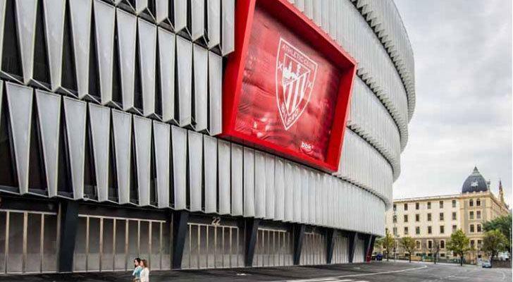 Estadio de fútbol con iluminación LED muy eficiente