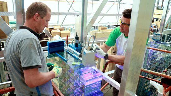 Proceso fabricación de ladrillos de vidrio en Delft