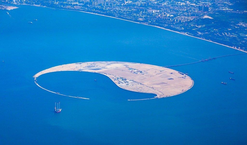 Imagen de la isla en el mar