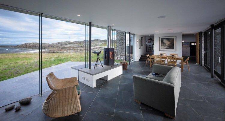 Interior de la rehabilitación con materiales sostenibles