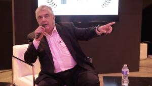 César Ruiz Larrea hablando
