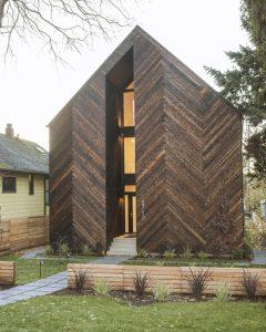 Imagen exterior con madera de cedro