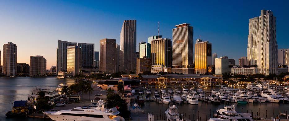 Imagen de vista de pajaro de rascacielos de miami