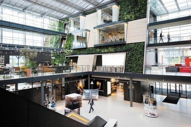 Edificio de oficinas por dentro