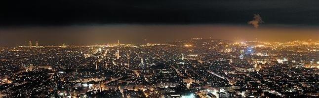 panoramica-nocturna-ciudad-barcelona-desde-observatorio-fabra-dia-gran-contaminacion-1420744396448