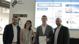 Los gerentes de Profine Iberia con los ganadores del concurso