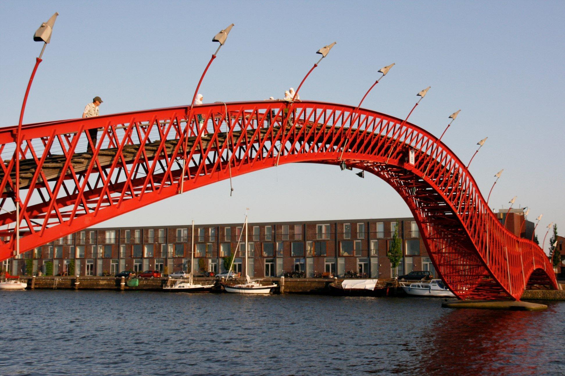 Puentes Llamativos.